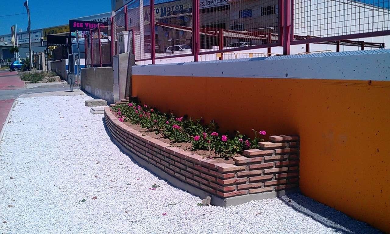 Jardineras c cesar vallejo - Jardineras de colores ...